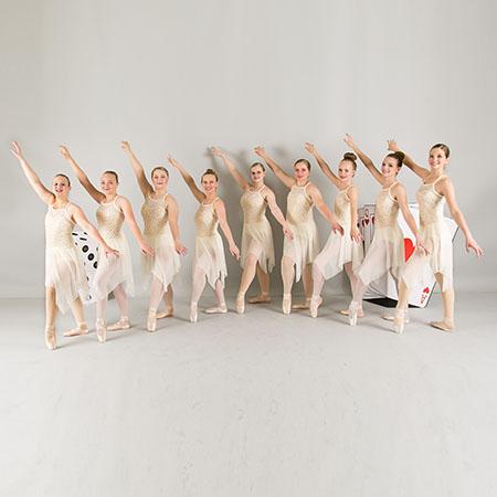 Pointe Ballet Dancers